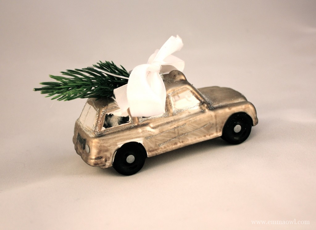 A very 'cool' way to use an old toy car at Christmas!