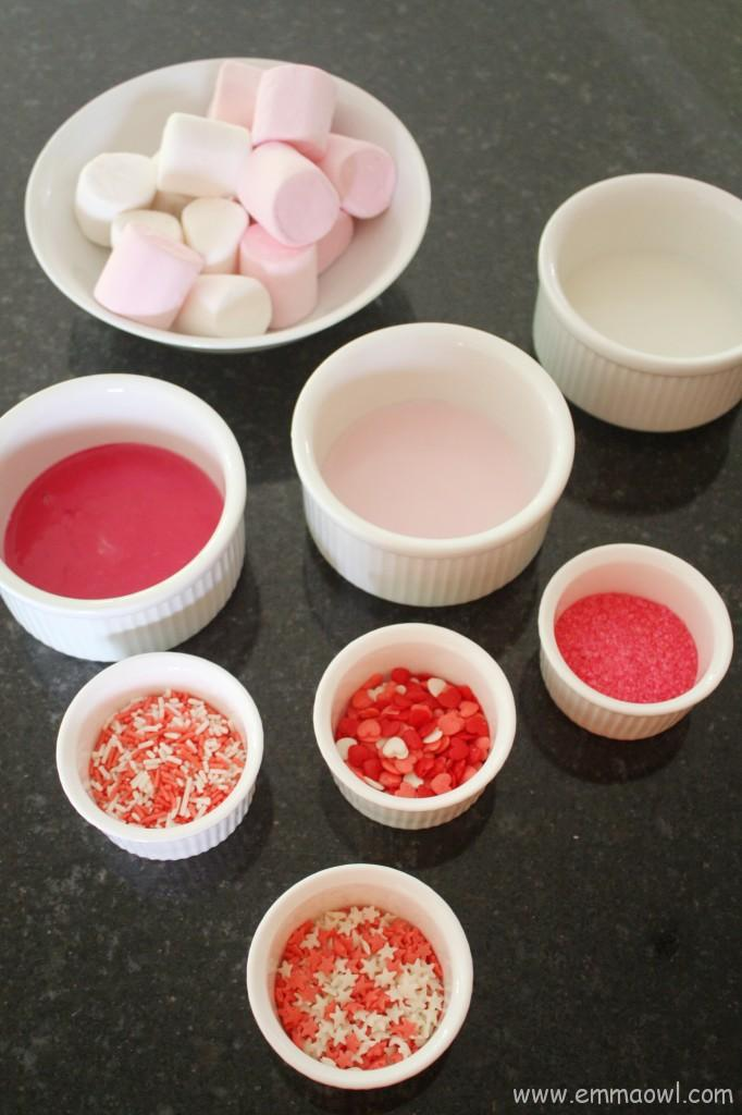 Valentine's Marshmallow Lolly Treats. This is so much fun to do together with your children!