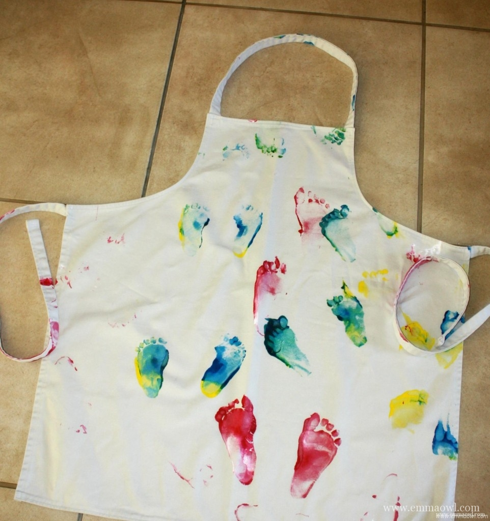 DIY Apron. Rainbow Walked gift for Mom