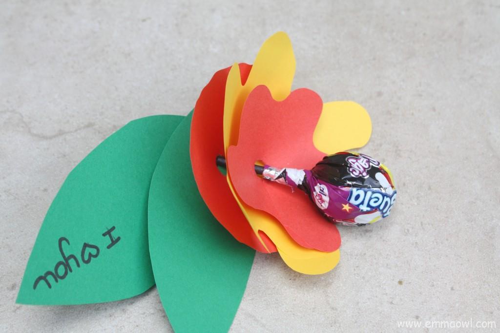 Valentine's Flower with Lollypop. Fun, friendly Children's Valentine Idea.