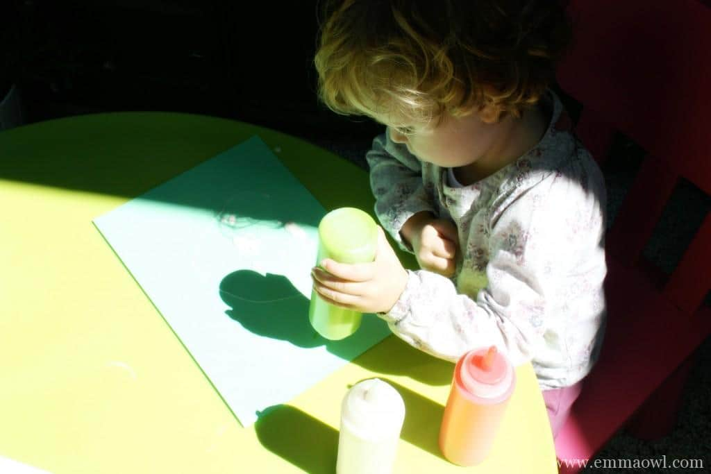 Painting with Puff Paint. This is an easy recipe