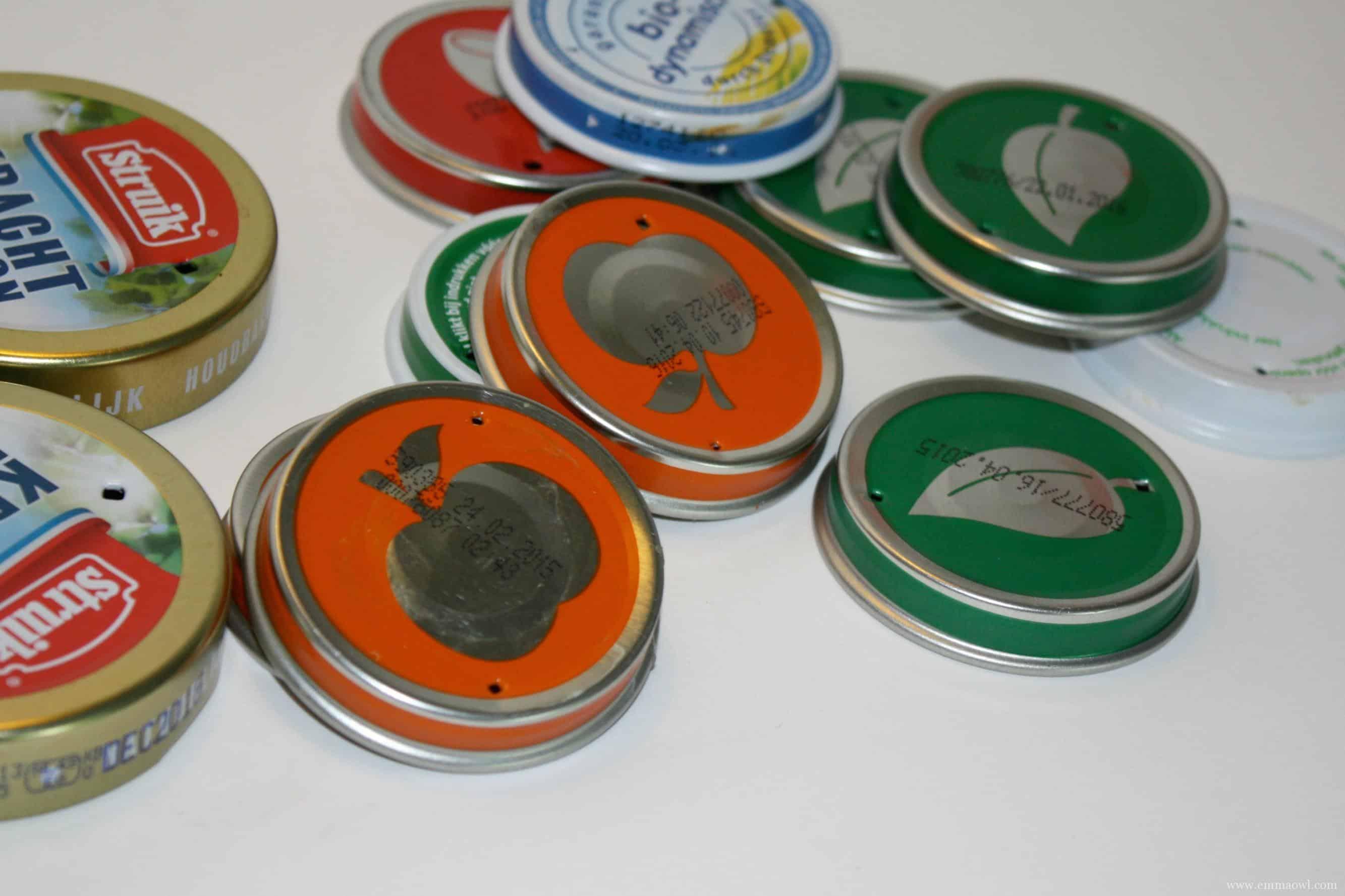 Make your own Caterpillarusing jar lids!Emma Owl