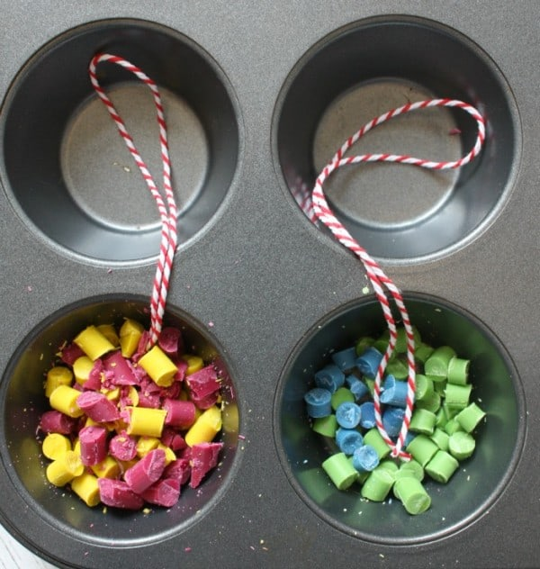 Making Crayon Christmas Balls