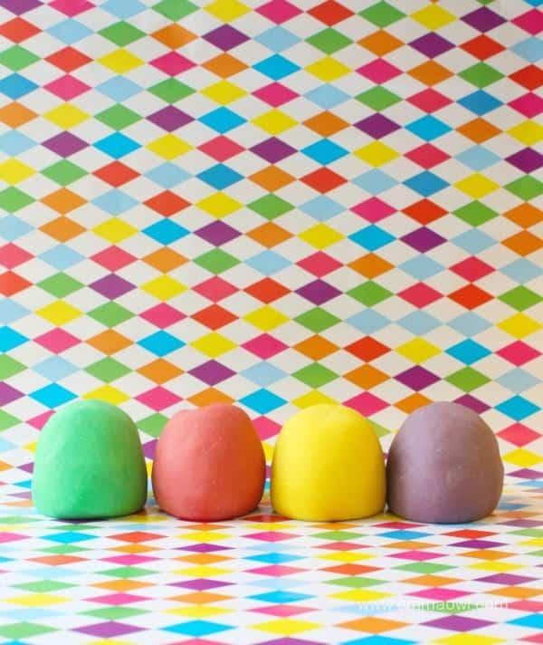 Magic Play Dough - NO Flour and NO Salt - lasts for months ! Easy and Cheap to Make!
