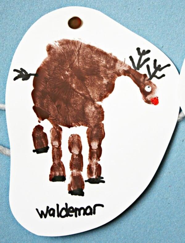 handprint-reindeer